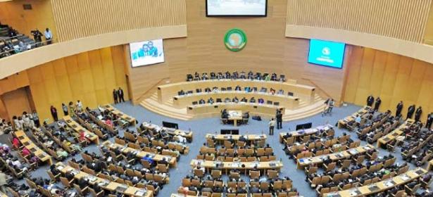 بعثة مجلس السلم والأمن الافريقي تجري زيارة ميدانية في مالي