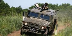 روسيا تزود زامبيا بـ 35 عربة عسكرية مدرعة
