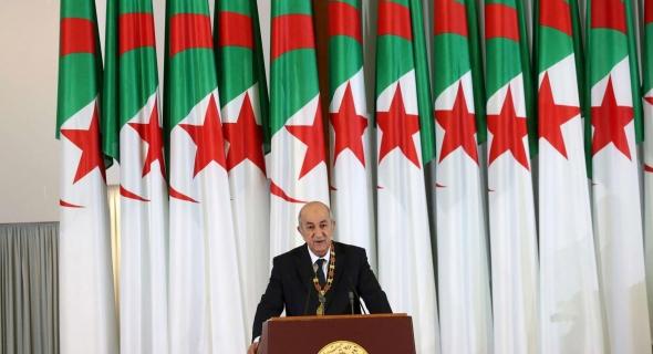 الرئيس الجزائري يكشف عن متواطئين داخل البلاد يتلقون أموالا من الخارج لزعزعة الاستقرار