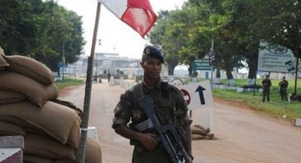 """فرنسا تغلق قاعدة """"ماداما"""" العسكري شمالي النيجر"""