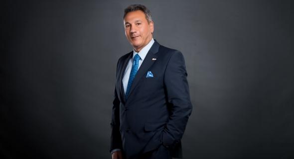 """محمد الإتربي رئيس مجلس إدارة بنك مصر يفوز بجائزة """"فخر العرب 2020"""""""