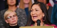 بايدن يختار لوزارة الداخلية امرأة من السكان الأصليين