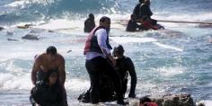 انتشال جثتي مهاجرتين بالسواحل الليبية