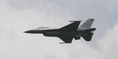 تسع طائرات عسكرية إماراتية تصل إلى اليونان وسط توتر متزايد مع تركيا