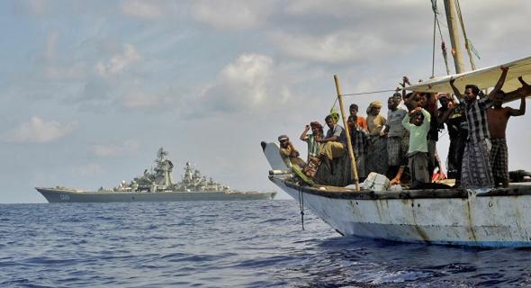 القراصنة يحتجزون 13 بحارا روسيا وأوكرانيا خلال هجوم في خليج غينيا