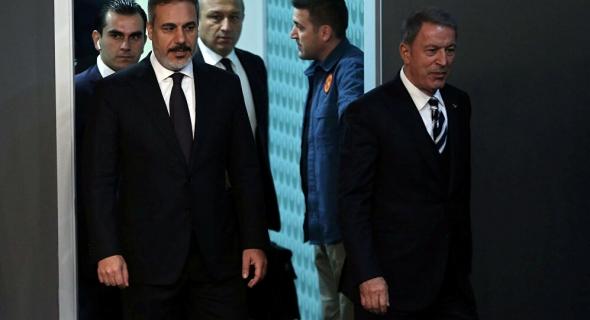 وصول وزير الدفاع التركي ورئيس الأركان إلى ليبيا