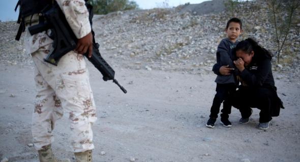 الولايات المتحدة تحتفظ بآلاف الجنود على الحدود مع المكسيك