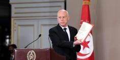 الرئيس التونسي يلوح برفع الحصانة عن برلمانيين وتوقيف سياسيين مرتبطين بالخارج