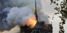 """الداخلية الفرنسية: حريق كاتدرائية نوتردام تحت السيطرة """"لكن لم يتم إخماده بشكل كامل"""""""