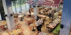 مطعم ميسي يقدم طعاما مجانيا للمشردين في الأرجنتين