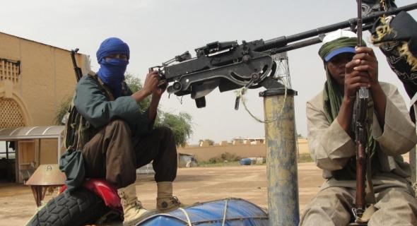 """""""البوليساريو"""" تفتح الأبواب للتنظيمات الإرهابية وتعلن """"حرب مفتوحة"""""""