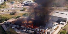 """""""الاتحاد الإفريقي"""": أعمال العنف في جنوب إفريقيا لها تداعيات خطيرة"""
