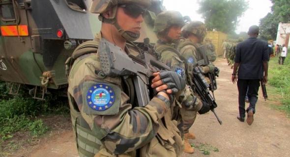 فرنسا تتسلم قيادة بعثة الاتحاد الأوروبي للتدريب في إفريقيا الوسطى