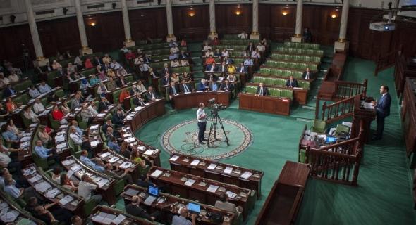 قانون المالية التكميلي في تونس.. هل يحد من الخسائر؟