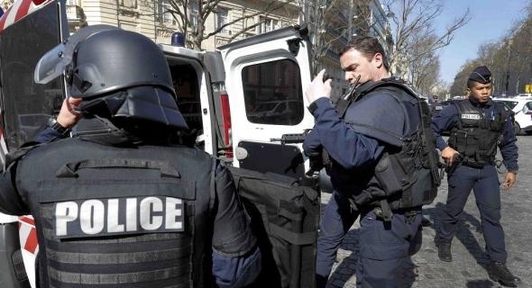 فرنسا تعتقل ضابطا سابقا من أفريقيا الوسطى بتهمة التواطؤ في جرائم ضد الإنسانية