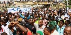 المعارضة السودانية تعلق المحادثات مع المجلس العسكري وتلوّح بالتصعيد